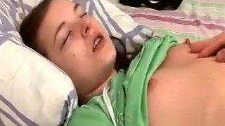 Slim cute Ivana gets oral satisfaction in bed