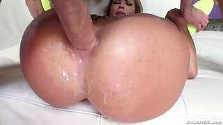 kelsi monroe takes a serious rectal and vaginal pounding