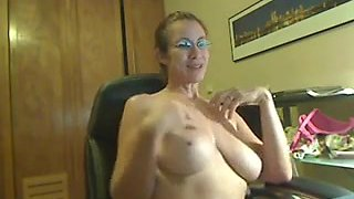 Hairy milf has a lot of fun on webcam