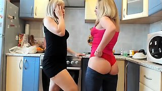 Kinky amateur lesbian spanking party