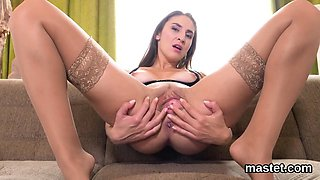 Flirty czech cutie gapes her wet twat to the unusual