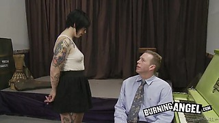 Nerdy tattooed babe finally experiences the hardcore vaginal sex