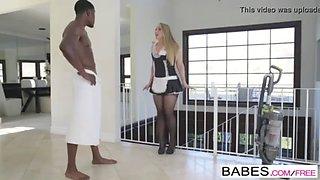 aj applegate maid