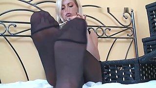 Sexy Teen in Pantyhose Feet Tease