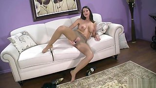 BROOKLYN CHASE'S PANTYHOSE TEASE
