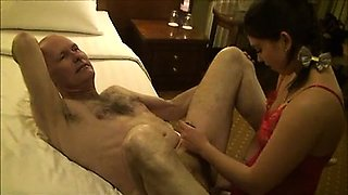 Amateur couple femdom with strapon