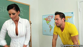 Horny students fucks his school teacher Phoenix Marie and gets a great blowjob