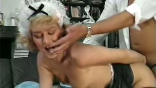 Mature and wild blonde white ladies on the couch share one man