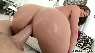 Oiled ass Jada Stevens takes anal pounding