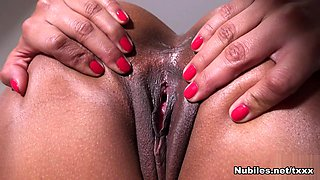 Isabella Chrystin in Clit Play - Nubiles