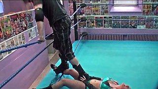 Mixed wrestling mutiny vs rick (lowblows)