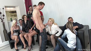 Group sex with Simony Diamond and other slutty sexy chicks