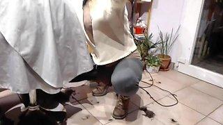 hairdresser milf work in sport pants