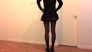 Crossdresser Training in pantyhose