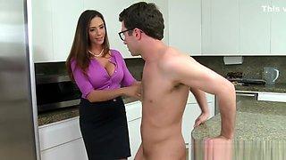 Bigtitted Classy Stepmom Sucking In Kitchen