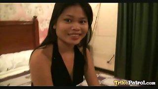 Raunchy Filipina bargirl screws tourist while off-duty