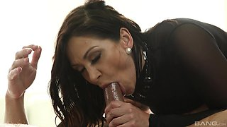 Latina MILF Lea Lexus gets her oiled up asshole pounded in stockings
