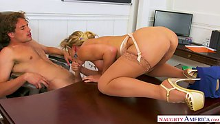 Rather flexible sexy boss spreads legs wide to get her twat licked