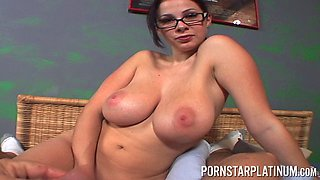 Gianna Michaels isa busty sweetheart who is in need of an orgasm