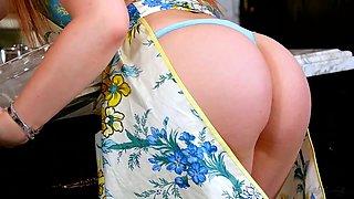 Hot in the kitchen - Dani Daniels