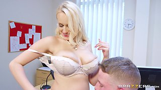 Big titted Angel Wicky has the way how to get a really nice raise