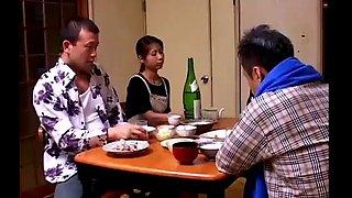 Japans vrouw cuckold voor haar man (zie meer: bit.ly2fjpddh)