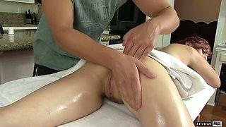 Oiled torrid MILF Lauren Phillips gets her wet pussy fucked by aroused masseur