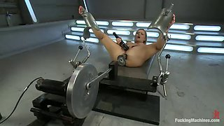 katja kassin works up a sweat fucking with machines