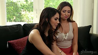 Two romantic babes feel good as they know how to masturbate