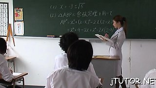 Sexy teacher blows 10-pounder