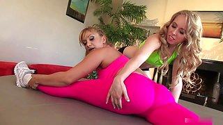 Hot blondes have oral sex