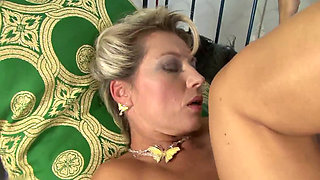 XY BUSTY BLONDE CHEATING WIFE HD.mp4 2