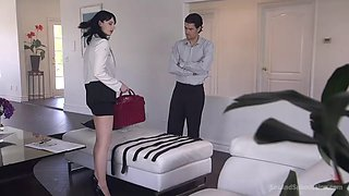 Black haired beauty loves being gagged, chained and fucked