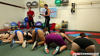Thrilling Kendall Karson allows the guy to penetrate her in the gym