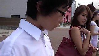 Bus of Japanese adulterer - 1