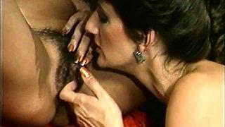 Sharon Mitchell & Janette Littledove The Amorous Adventures of Janette Littledove (1988) Part 03