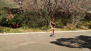 roller girl morgan lee gets naked and plugs her ass