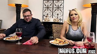Mofos - Pornstar Vote - Housewife Fucks on Ki