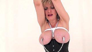 Unfaithful british mature lady sonia flashes her huge natura