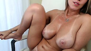 Free Chat Latina Big Boobs Fucking Machine on Webcam