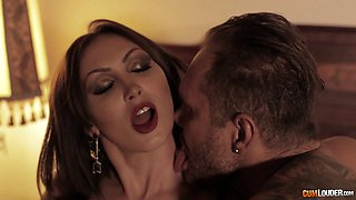 Yasmin Scott loves ravishing her handsome fellow's boner
