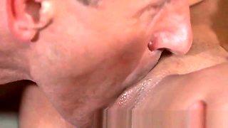 Erotic masseur pussyfucks client till on cum ass