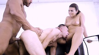 Vanessa Decker and Tomm double blowjob Jamie Oliver