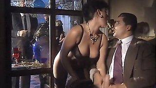 Insatiable dark skin mistress wants passionate sex