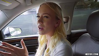 Cute blonde Bailey spreads her legs for a fuck in a car