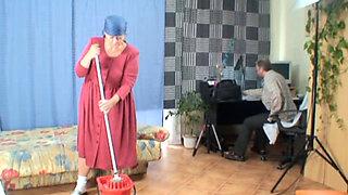 German Granny sucking and fucking Dick