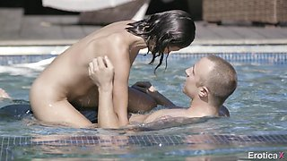 swimming naked is the easiest way of seduction