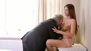 Young beautiful brunette gets her pussy licked by one old teacher