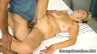 Chubby gilf jizz sprayed