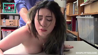 Amilia Onyx attacked by a fellow for a nasty sex session